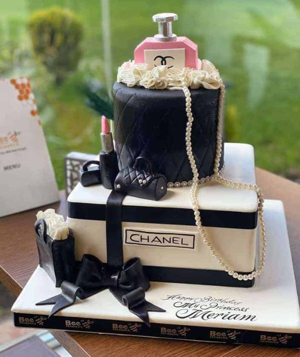 Bee Patisserie Fashion Cake